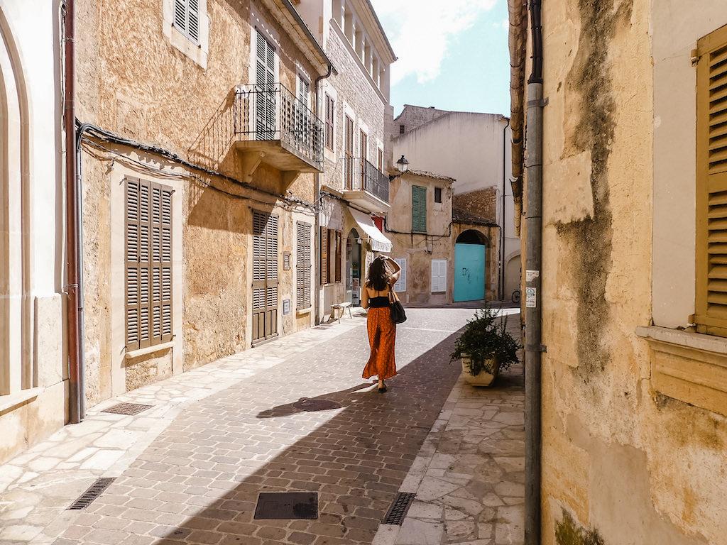 Mallorca Santanyi Street Walk